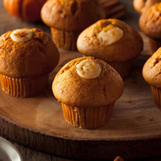 Pumpkin Spice Cheesecake Muffins
