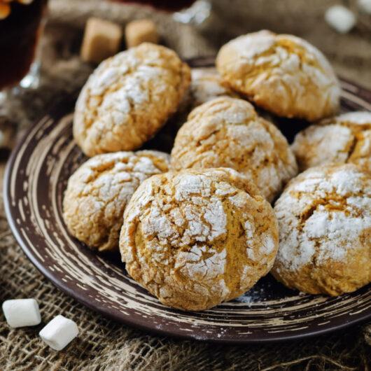 Pumpkin Spice Crackle Cookies